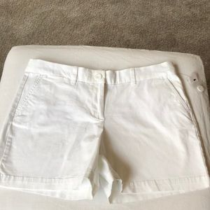 Crown ivy white shorts size 10 NWT 4 inseam nice